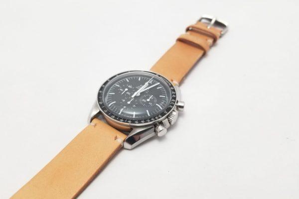new product a7aa0 2ad6b 腕時計のメタルベルトを経年変化も楽しめるレザーベルトに交換 ...